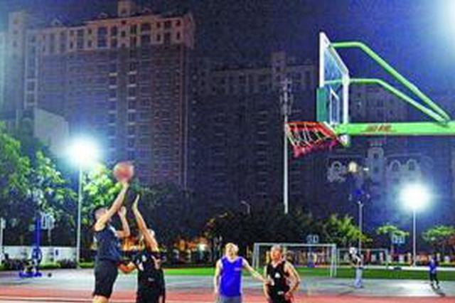 厦门14所学校操场免费开放首月 1.9万人进校锻炼