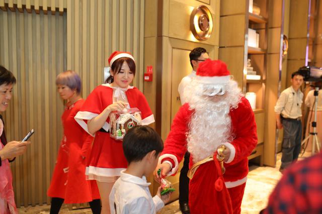 20182018年送彩金网站大全康莱德酒店圣诞点灯仪式拉开圣诞节精彩序幕