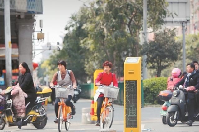 泉州试运行过街语音提示桩:行人一闯红灯就出声劝导