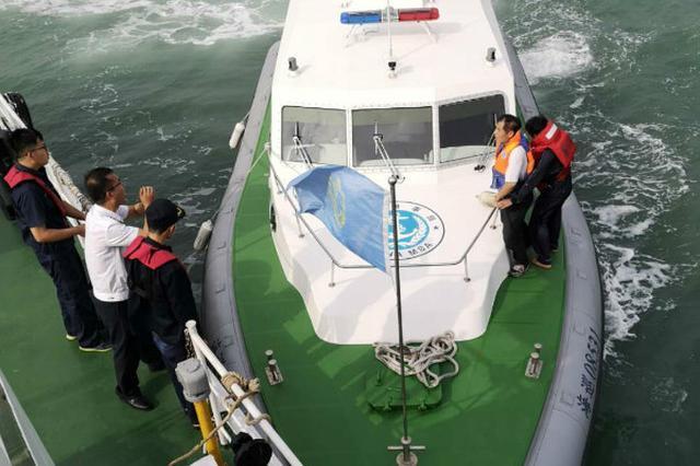 泉州一轮船沉没 船员落海2人风浪中失踪