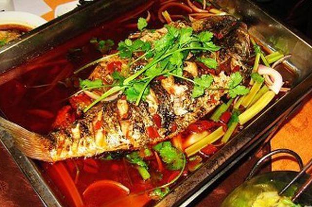 在空调房内吃烤鱼 十几人一氧化碳中毒被送医