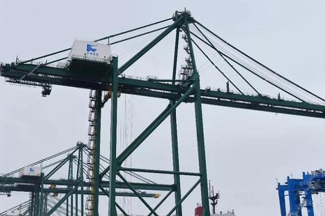福州江阴港区新岸桥启用 最大集装箱船可全天候作业