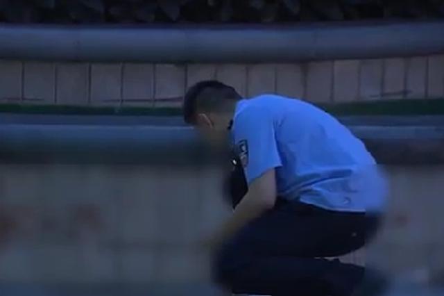 争吵中 厦门海沧一餐饮店老板操起剪刀捅伤客人