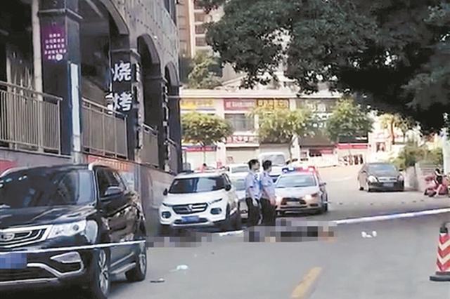 泉州南安28岁男子 凌晨从足浴店2楼窗户坠亡