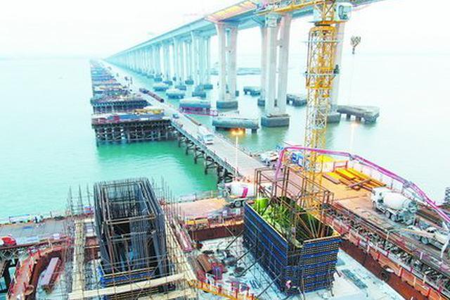 福厦高铁建设提速 泉州湾跨海大桥主墩塔柱开始施工