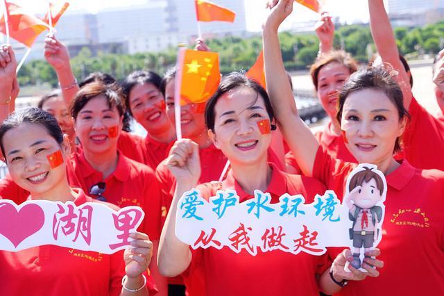 礼赞新中国 湖里区市政园林局唱响《我爱你中国》