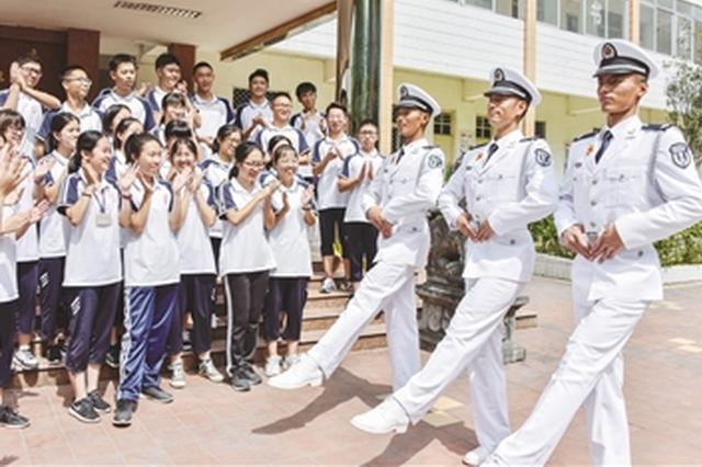 三名南靖籍战士再现国庆阅兵式表演 昂首阔步展英姿