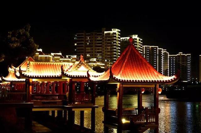 绚烂多彩的喷泉璀璨夺目的廊桥 夜里的南靖竟如此动人