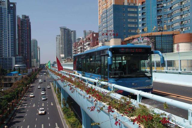 厦门已有23个BRT站点支持e通卡自助充值 微信就能付