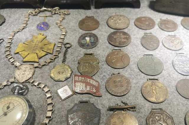 预祝世中会成功举行 泉州收藏家展出上千件体育藏品