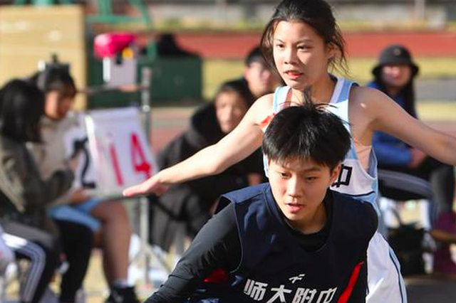 福州中小学生篮球联赛 师大附中十八中女篮双双卫冕