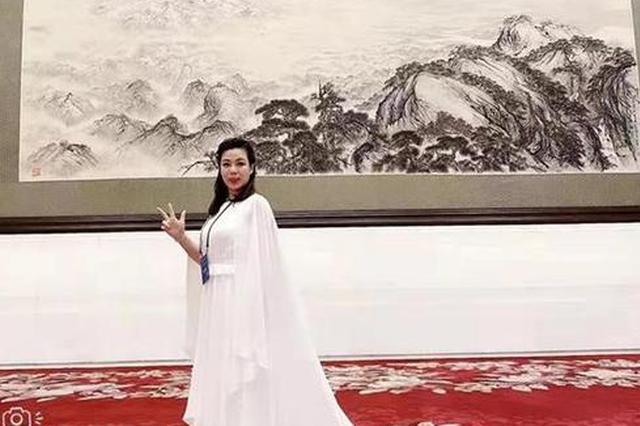 福州箜篌艺术家翁惠娜登上中国文联春晚舞台