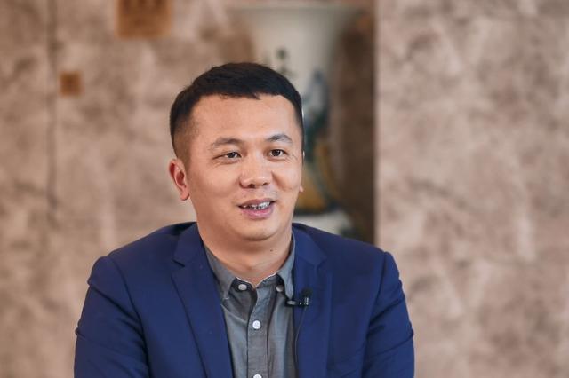对话闽商|卡尔顿王志东:创新与分享 员工企业共成长