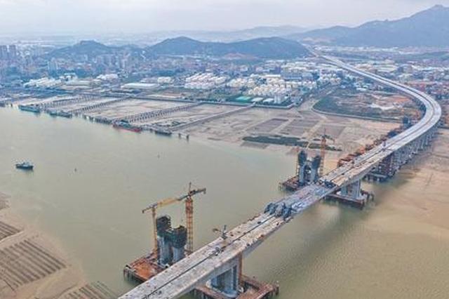 跨海大桥合龙 泉厦漳城市联盟路泉州段全线贯通