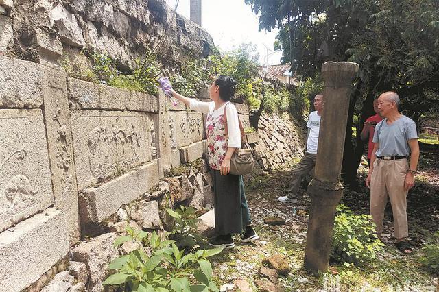 泉州:20多件明代名宦刘望海后人陵墓石雕藏身路桥