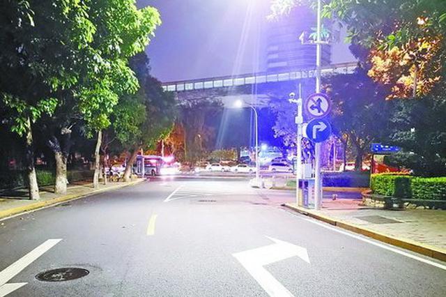 驾车从东浦路开往莲前西路 交叉口禁止右转要提前50米右拐