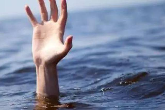 事发厦门白城海域 海边救援队三小时救助四名泳客