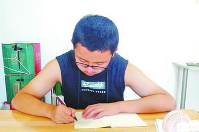 厦门男生放弃中考捐髓救母感动各界 一天捐款超22万