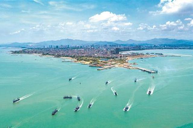 泉州1457艘渔船开渔出海 开始新一轮海上捕鱼作业