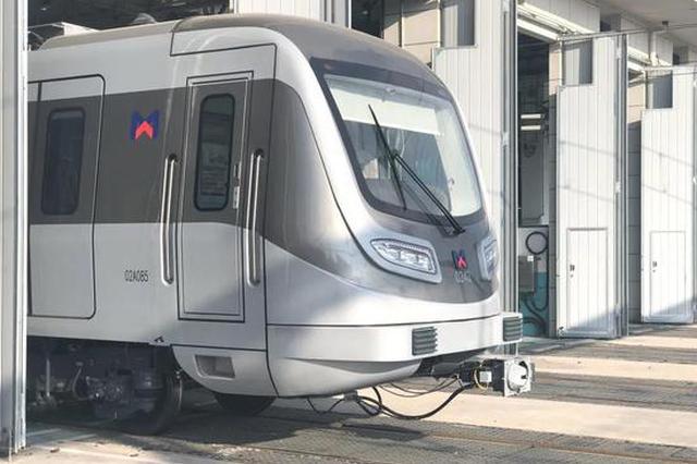厦地铁2号线首列永磁式电客车上线 舒适度高更节能