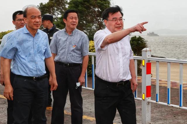 胡昌升现场一线指挥防抗台风工作 抢险清障有序展开