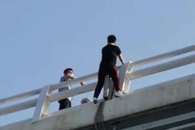 集美大桥一男一女欲轻生!危机时刻,他们出手了…