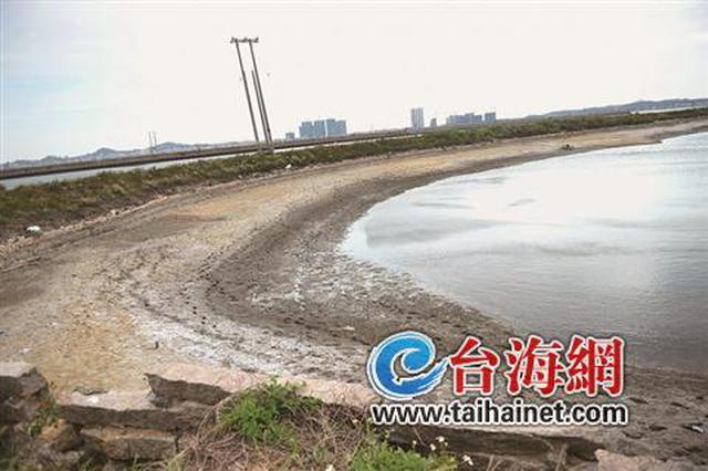 """漳州一男子""""倒""""在虾池旁死因不明 警方展开调查"""