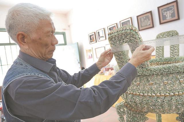 把贝壳玩出花 没人比这位老人更懂东山岛的贝壳