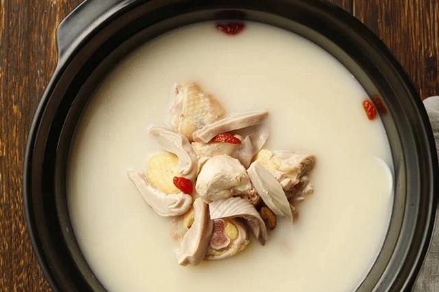 备受好评的煲汤火锅品牌来厦 一锅猪肚鸡温暖鹭岛食客