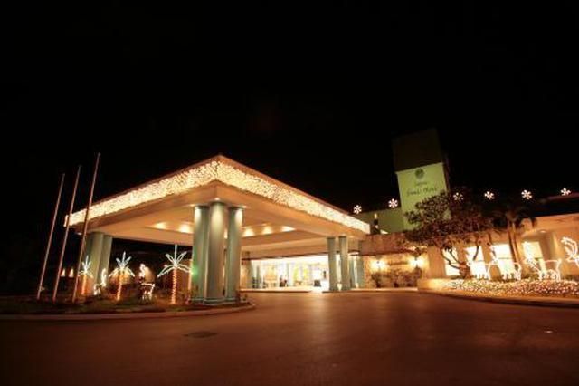 女子入住后坠亡家属状告厦门一酒店 法院判酒店承担20%责任