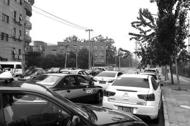 宝洲街禁止上下客 今起开始抓拍 载客车辆地下停车场停靠