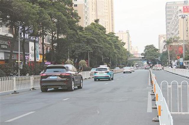 市区宝洲街:禁止停车上下客 首日秩序良好