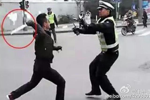 """厦门首例!男子酒后拳打民警 涉""""袭警罪""""被批捕"""