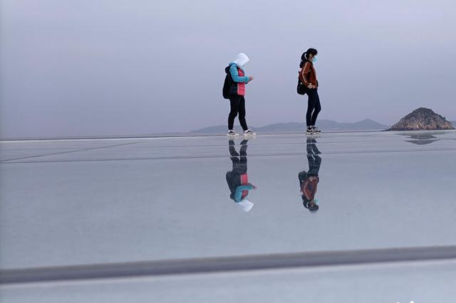 """福州最大""""天空之镜""""建成:位于琅岐海边 占地300平方米"""