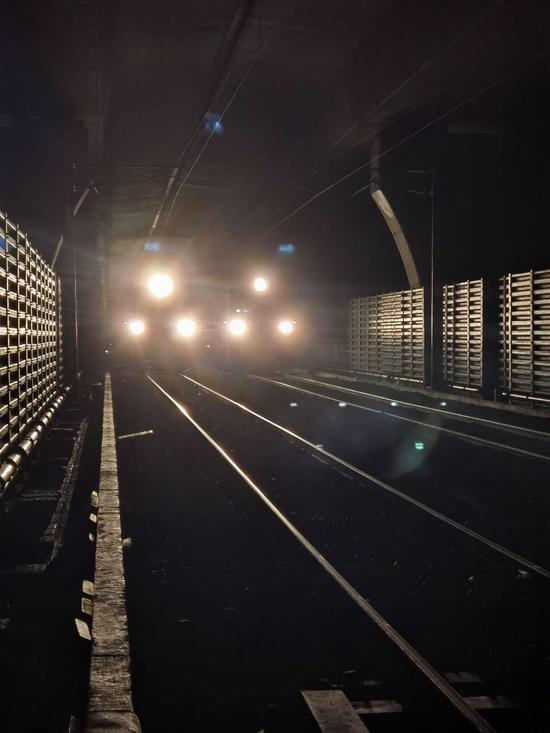 世界最长跨海峡公铁两用大桥——平潭海峡 公铁两用大桥启动荷载试验