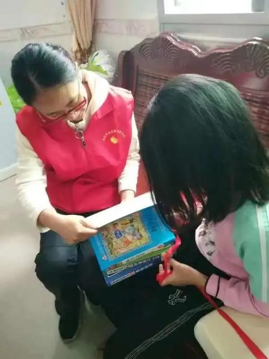 南安:志愿服务进蓬华 宣传公益讲禁毒