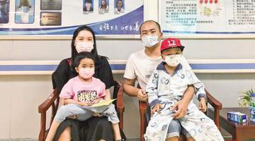 宁德父亲抽骨髓连救两孩
