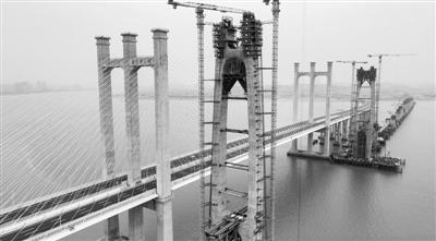"""""""基建狂魔""""上新!福厦高铁泉州湾大桥拿下三项世界之最"""