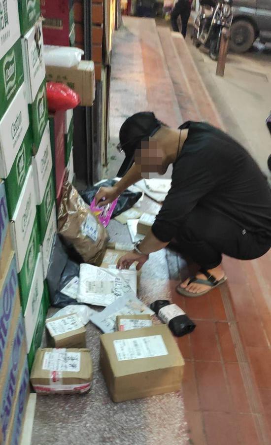 漳州:佯装代他人取快递  男子涉嫌盗窃被拘