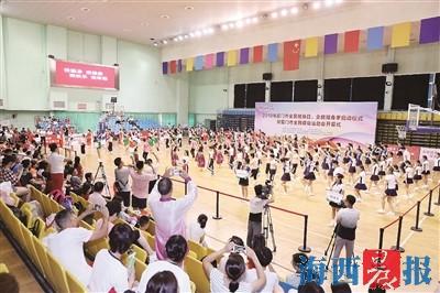 在篮排球馆举行的各类体育赛事,营造了全市全民健身的氛围。(资料图)