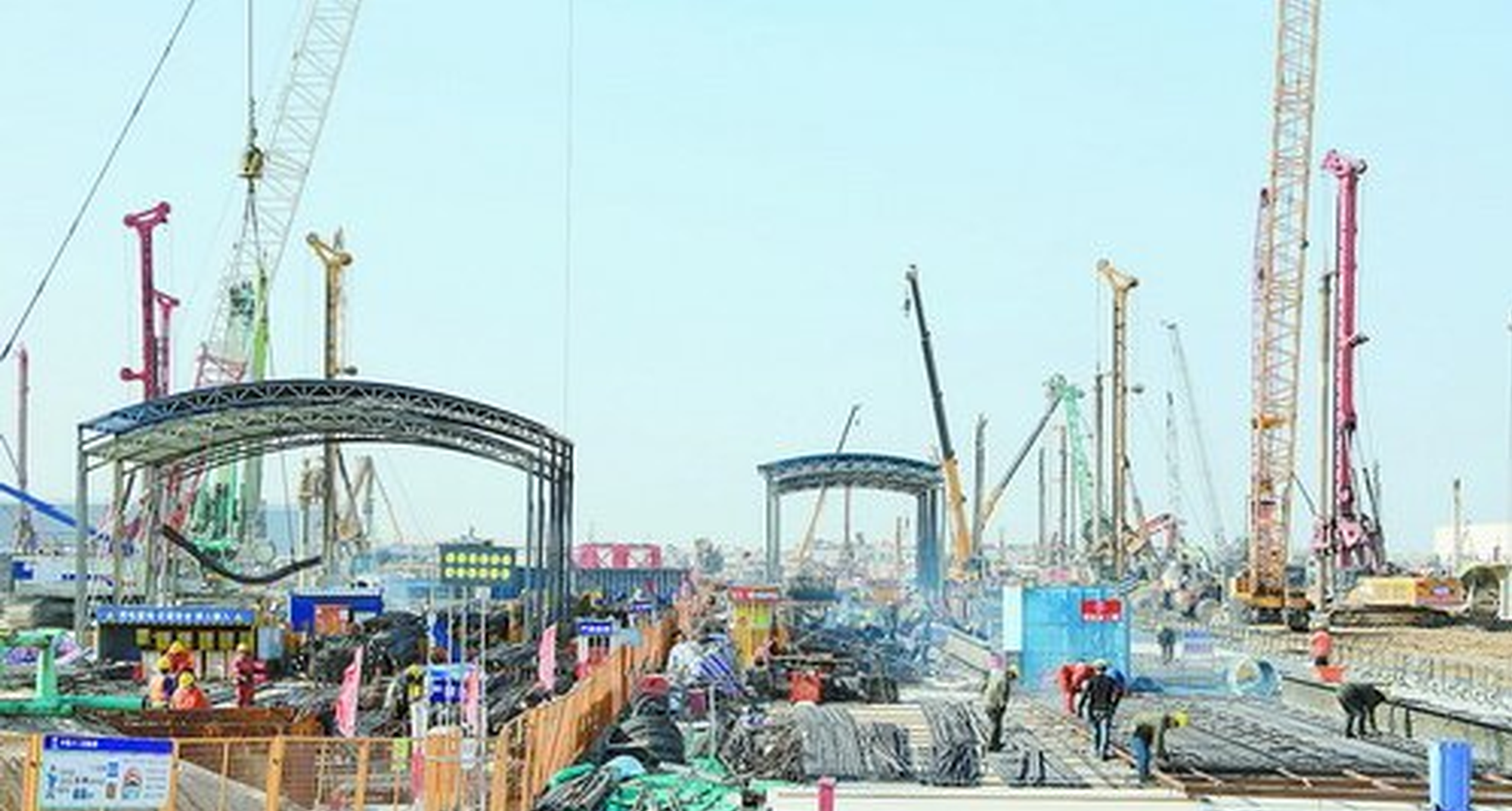 争当先锋打头阵 翔安党员干部全力服务新机场建设