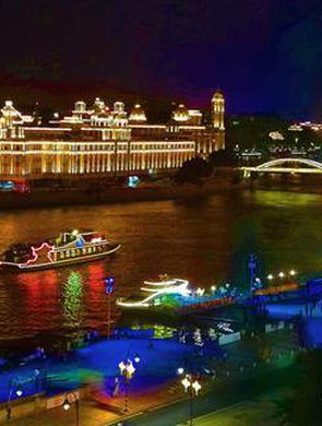 闽江游轮上节日气氛浓