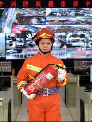 奥运冠军邓薇为三明消防公益代言