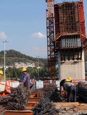 兴泉铁路永安段沙溪特大桥有序推进