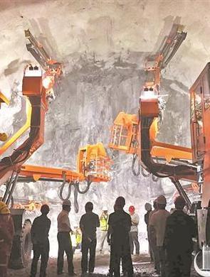 福厦高铁全线最长万米隧道贯通