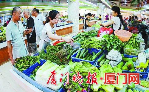 我市有效保障蔬菜供应。 刘东华 摄
