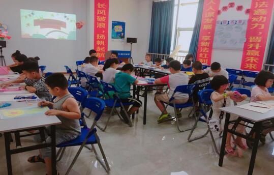 """新华保险宁德中支举办""""童绘中国力量""""少儿绘画大赛"""