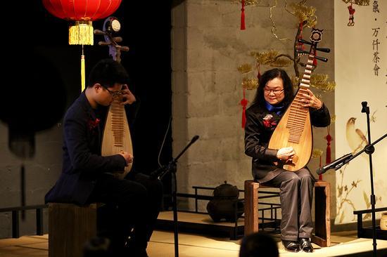 王彩珍老师及其学生-琵琶演奏