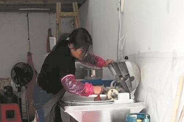 泉州市区豪盛花苑 储藏间变身厨房藏身居民楼