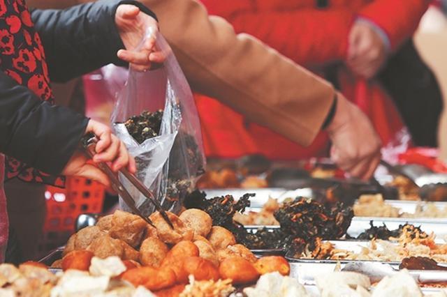 泉州古城旅游新春一炮走红 西街最亮眼